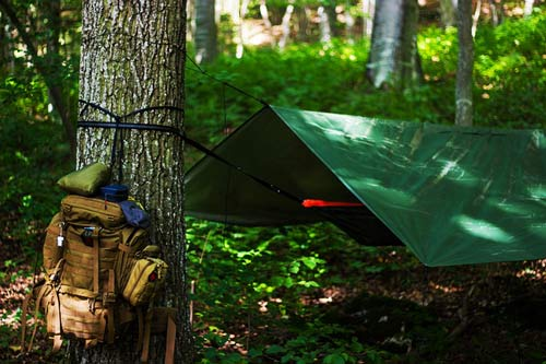How-to-set-up-a-tarp-using-a-ridgeline